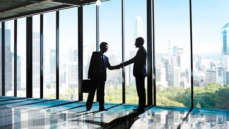 The Advantages and Disadvantages of a Business Partnership